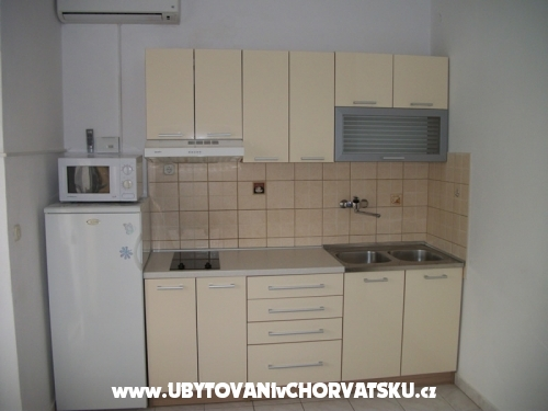 Apartamenty Sinjal - Pako�tane Chorwacja