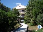 Apartment Puhalovic, Petrcane, Croatia