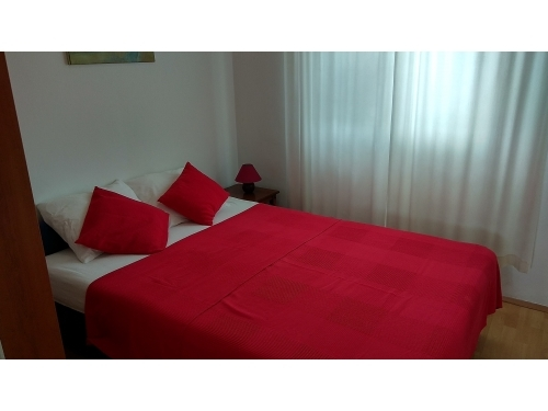 Apartment Ru�a - Pirovac Croatia