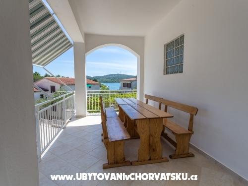 Apartmani Antea i Magdalena - Pirovac Hrvatska