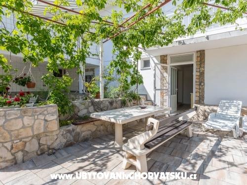 Apartmány Antea i Magdalena - Pirovac Chorvatsko