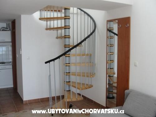 Apartmaji Pirovac - Pirovac Hrvaška