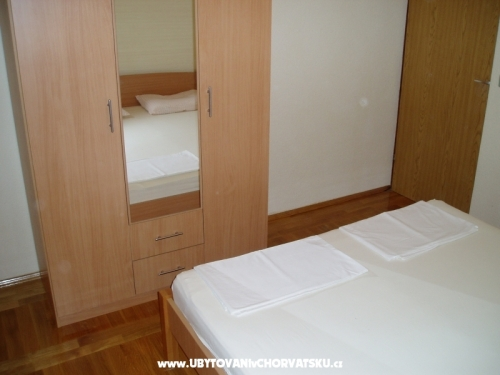 Apartm�ny Biserka - Pirovac Chorv�tsko