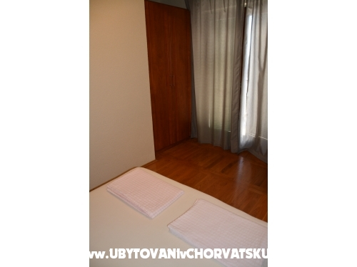 Apartments Biserka - Pirovac Croatia