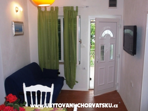 Apartments Zora - Pirovac Croatia