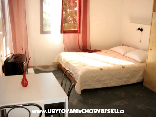 Dalmatio apartments - Pirovac Croatie
