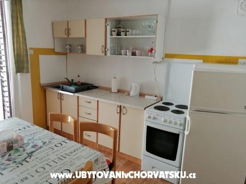 Apartmaji Daria - Podgora Hrvaška