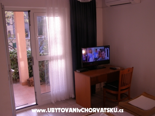 Apartments Flora - Podgora Croatia