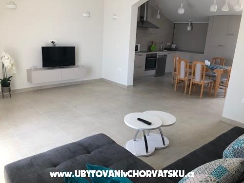 Apartamenty Lara - Podgora Chorwacja