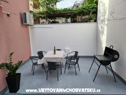 Apartmaji Dado - Podgora Hrvaška