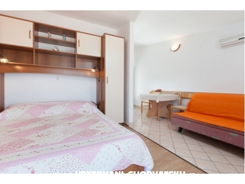 Apartmány MARINA - Villa NEDIKA - Podgora Chorvatsko