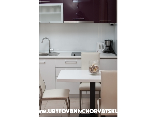 Appartements Vlasic - Podstrana Kroatien