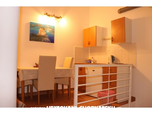 Apartmanok Car-Bruna - Podstrana Horvátország