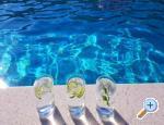 Apartman Lemon Garden medencével - Podstrana Horvátország