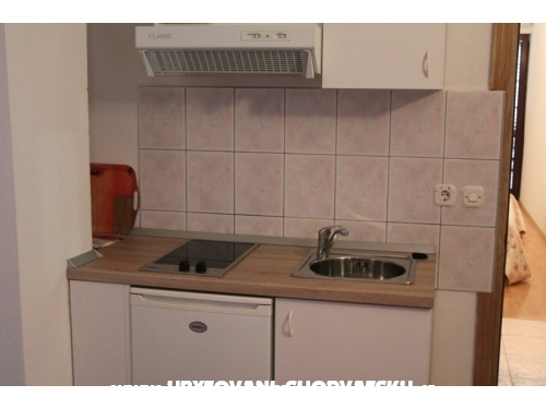 Apartm�ny SARA - Podstrana Chorv�tsko