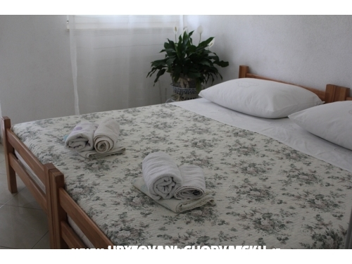 Apartmaji SARA - Podstrana Hrva�ka