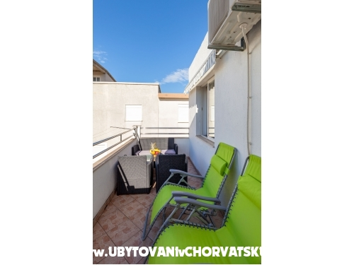 Apartments Vladimir - Podstrana Croatia