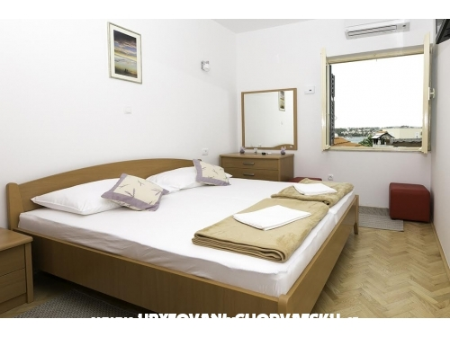Apartm�ny Plave o�i - Podstrana Chorvatsko