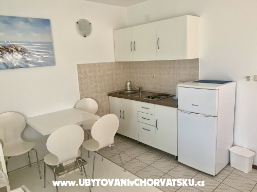 Apartments Lena - Podstrana Croatia