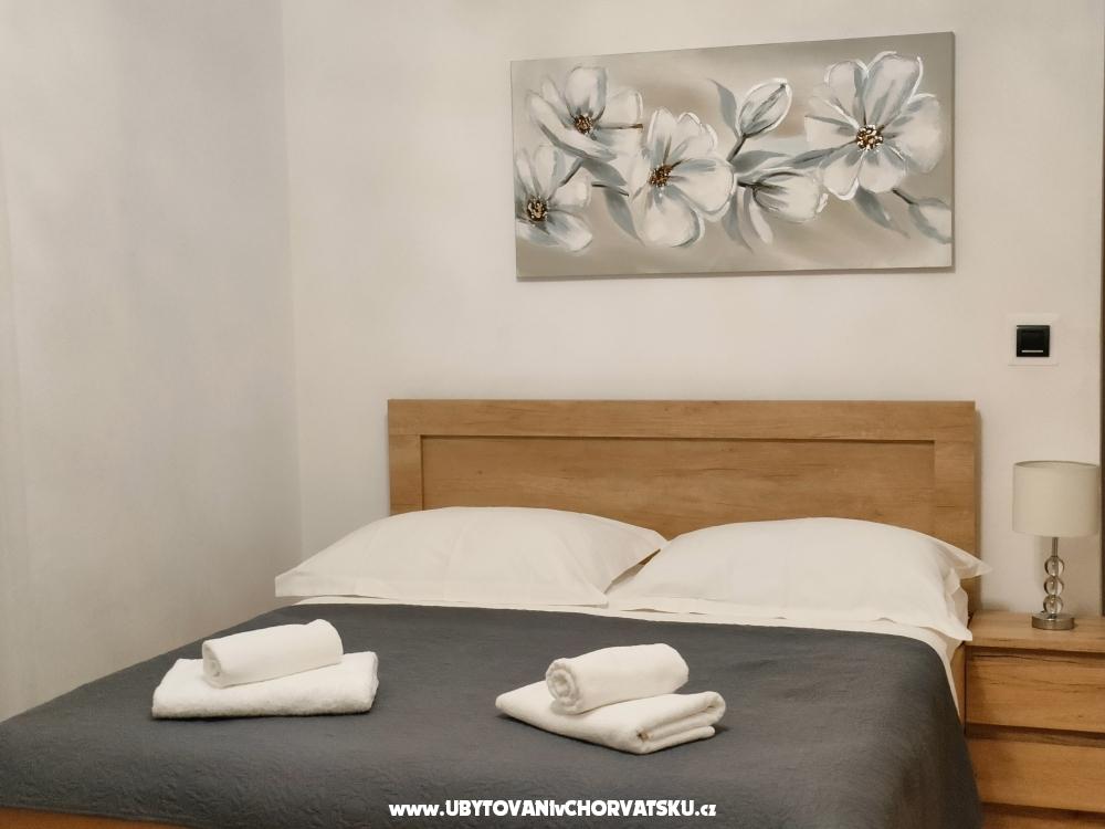 VILLA  JURAS - Podstrana Kroatien