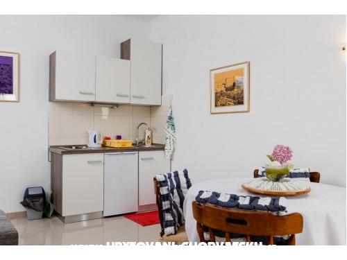 Apartmani Knezovic - Podstrana Hrvatska