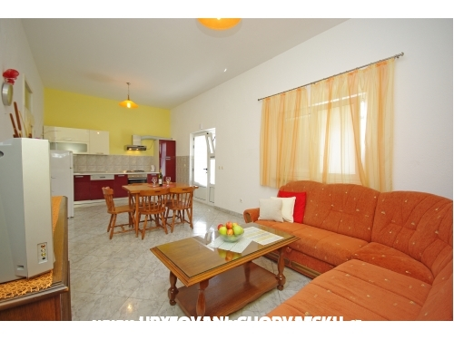 Apartments Orange House - Podstrana Croatia