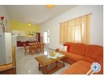 Ferienwohnungen Orange Haus - Podstrana Kroatien