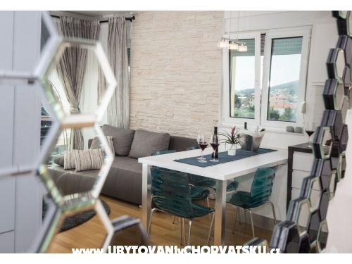 Bubbles Luxury Penthouse with jacuz - Podstrana Hrvatska