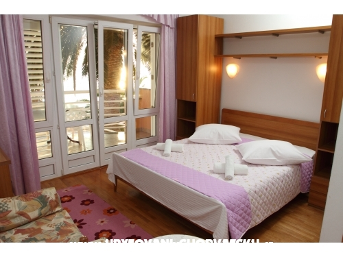 Villa Jerkan apartments - Podstrana Croatia