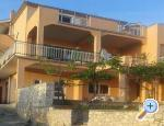 Apartment  Laura  *** , Primosten, Croatia