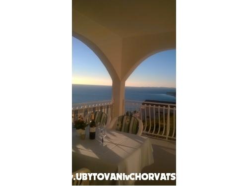 Apartmaji   Luka - Primošten Hrvaška