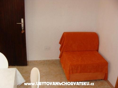 Apartmanok 7 m od mora - Primošten Horvátország