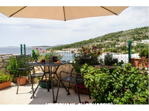 Apartments Andreja - Primo�ten Croatia