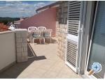 Appartements Bogdan - Primošten Kroatien