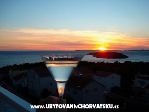 Appartements TONĆI I IRIS*** - Primošten Croatie