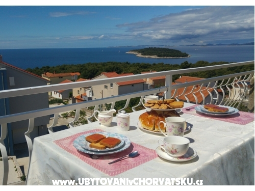 Apartm�ny TON�I I IRIS*** - Primo�ten Chorv�tsko