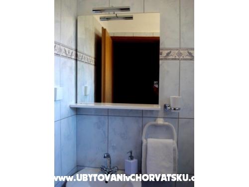 Apartmani TONĆI I IRIS*** - Primošten Hrvatska