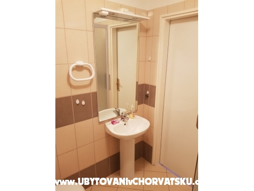Apartmanok Blue Eye - Primo�ten Horv�torsz�g