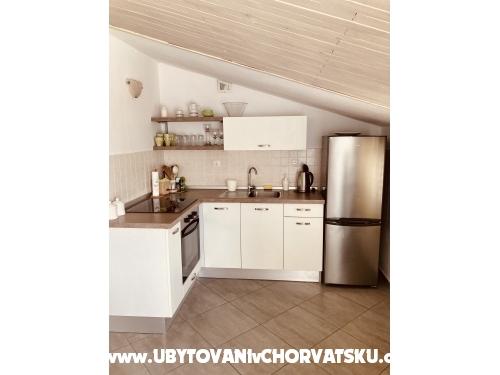 Apartments Filipa - Primošten Croatia
