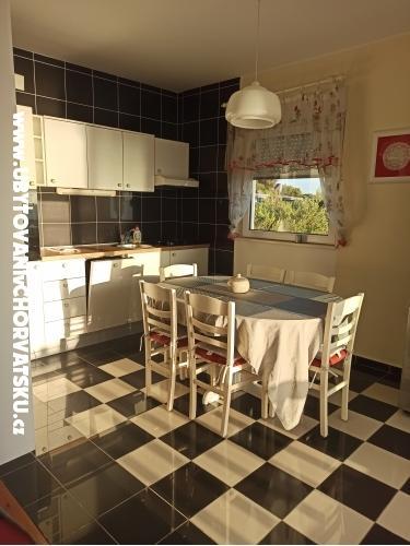 Apartmaji Nevjestić - Primošten Hrvaška