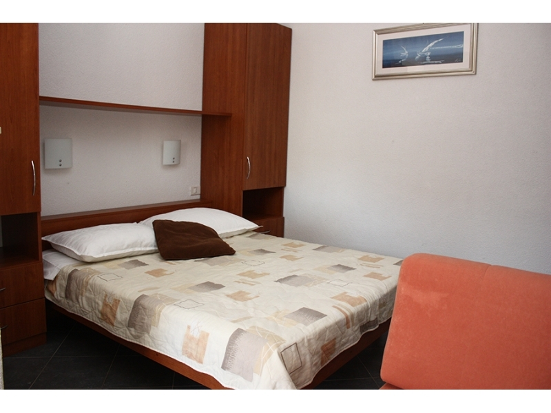 Holiday Appartement Danica Greba�tica - Primo�ten Kroatien