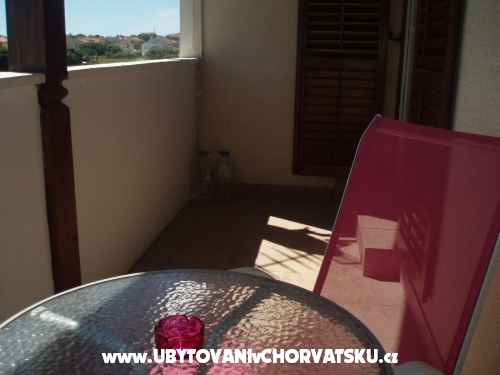 """Apartmanok """" Donata"""" - Privlaka Horvátország"""