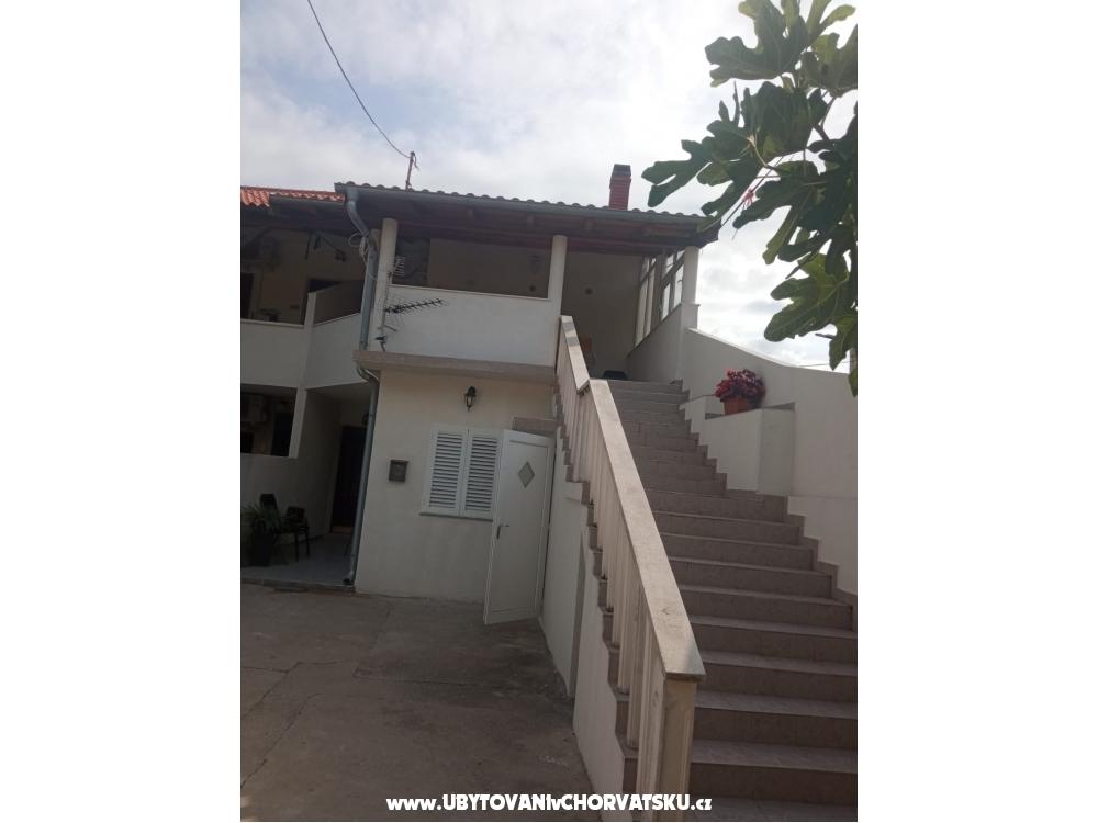 Apartmány Lucija - Privlaka Chorvatsko