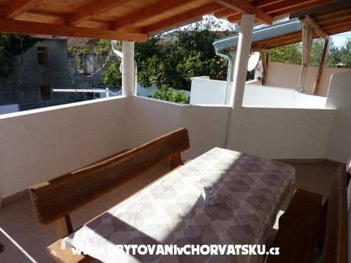 Appartements Lucija - Privlaka Kroatien
