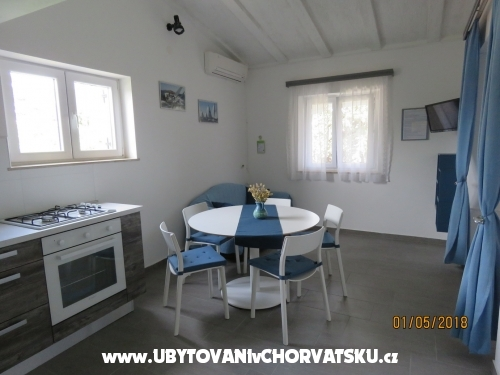 Appartements Mira - Privlaka Kroatien