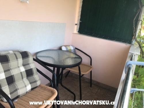 Apartmaji Toni - Privlaka Hrvaška