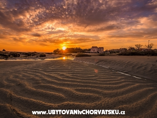 Vakáció Rose - Privlaka Horvátország