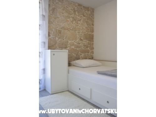 Mustaća Dvori - Privlaka Croatia