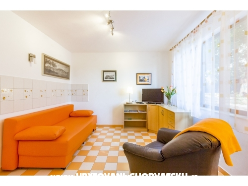 Apartments Perunika - Pula Croatia