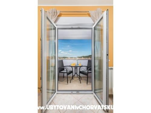 Argo - Pula Hrvaška